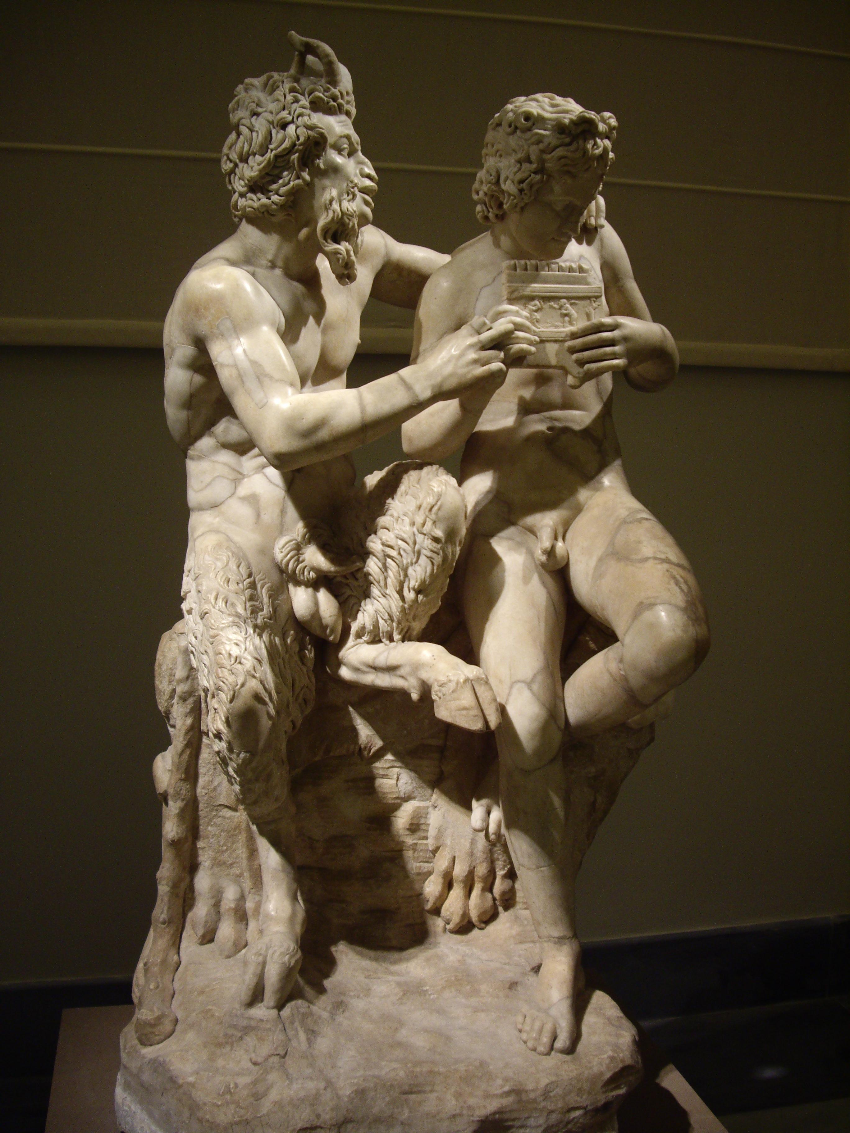 Pan insegna a Dafni a suonare lo zufolo  scultura conservata al Museo    Famous Disturbing Art