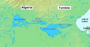 I laghi salati semiasciutti tra Algeria e Tunisia.