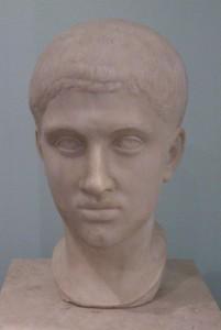 Ritratto marmoreo di Alessandro Severo custodito al Museo Archeologico di Milano.